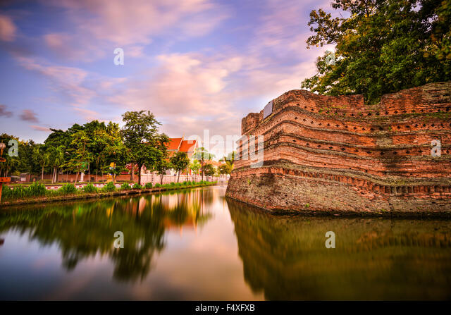 Chiang Mai, Thailand old city ancient wall and moat. - Stock-Bilder