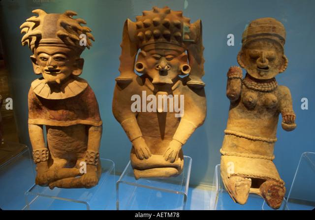 Ecuador Guayaquil Central Bank Museum artifacts exhibit Bahia shamans 650 B.C. to 500 A.D. - Stock Image