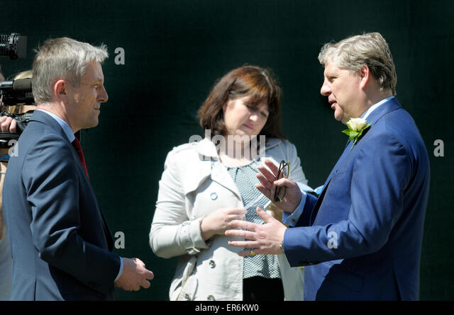 Angus Robertson MP (SNP: Moray) being interviewed on College Green, Westminster, after the May 2015 Queen's - Stock Image
