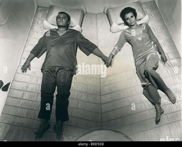 THE ILLUSTRATED MAN (1969) ROD STEIGER, CLAIRE BLOOM ILLM 002P - Stock Image