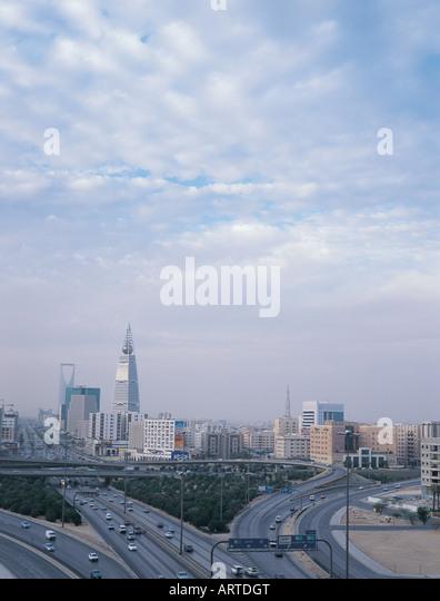Cityscape of Riyadh with King Fahed Road and Al Faisaliah and Al Mamlakah Tower, Riyadh, Saudi Arabia - Stock Image