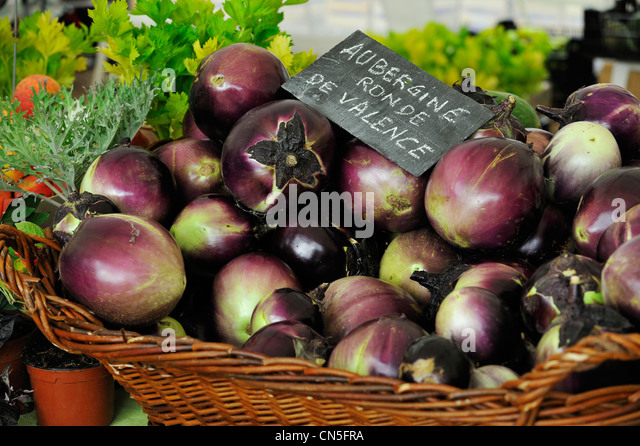 France, bio vegetables, aubergine or eggplant from Valence - Stock Image