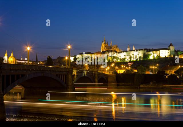 Prague Castle at night - Stock Image