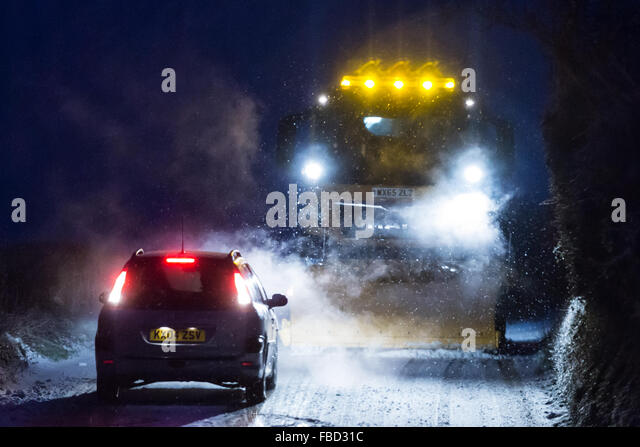 B4340 Ceredigion, Wales, UK. 15 January 2015. Cars failing to get up the hill along the B4340 between Ystrad Meurig - Stock Image