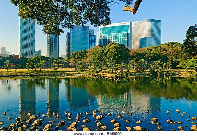 Hama Rikyu Gardens and Shiodome Tokyo Japan - Stock Image