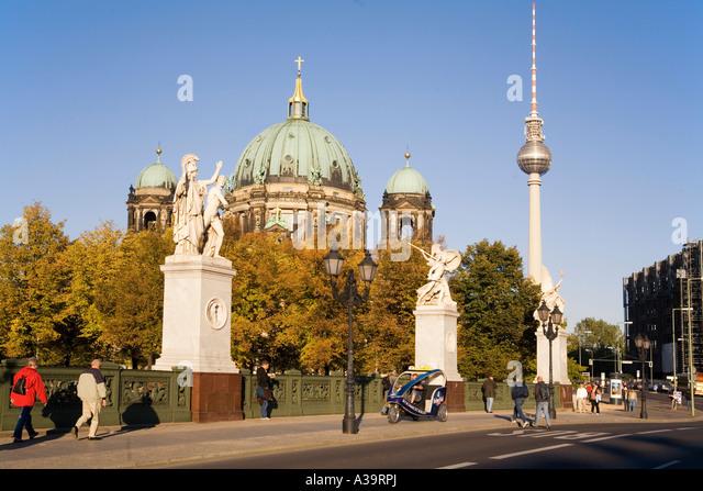 Berliner Dome castle bridge sculptures by Schinkel Unter den Linden Schlossbruecke Skulpturen von Schinkel - Stock Image