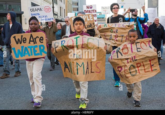 Detroit, United States. 15th Nov, 2016. Detroit, Michigan USA - November 15, 2016 - Protesters picket the Federal - Stock Image