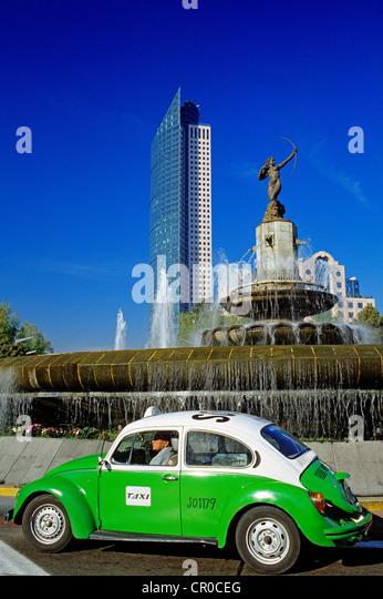 Mexico, Federal District, Mexico City, Paseo de la Reforma, Mexico Stock Exchange, taxi - Stock Image