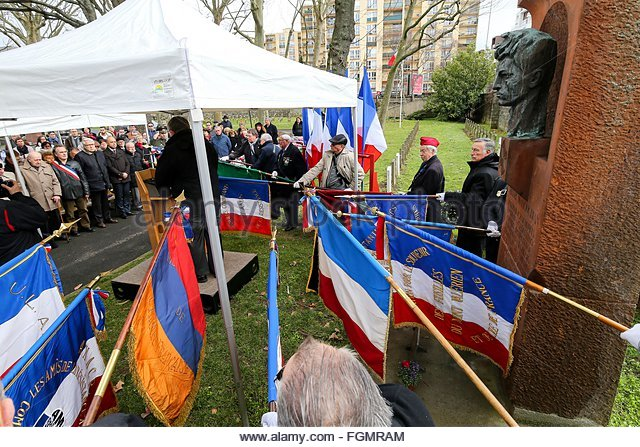 Ivry-sur-Seine, France. février 21st, 2016. FRANCE, Ivry-sur-Seine: Around 100 people pay tribute to the World - Stock Image