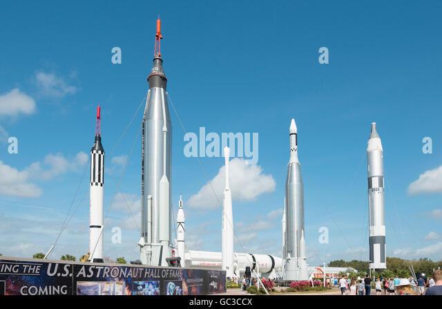 Nasa rocket stock photos nasa rocket stock images alamy for Space station usa