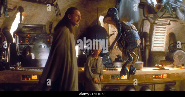 STAR WARS: EPISODE I - THE PHANTOM MENACE (1999) LIAM NEESON, QUI-GON JINN (CHARACTER), JAKE LLOYD, ANAKIN SKYWALKER - Stock Image