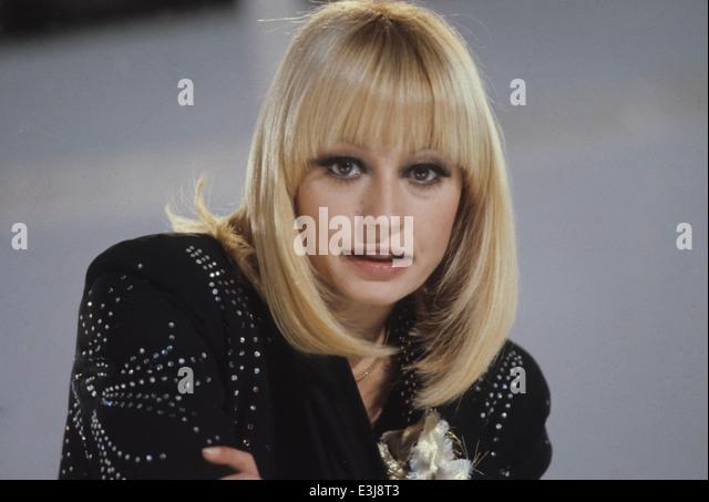 Raffaella Carrà - Male / Tonto