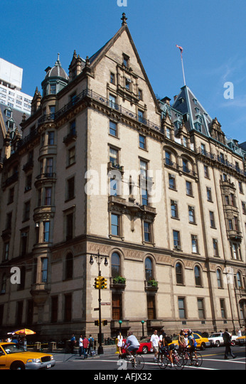 New York City Manhattan Upper West Side The Dakota John Lennon of Beatles - Stock Image