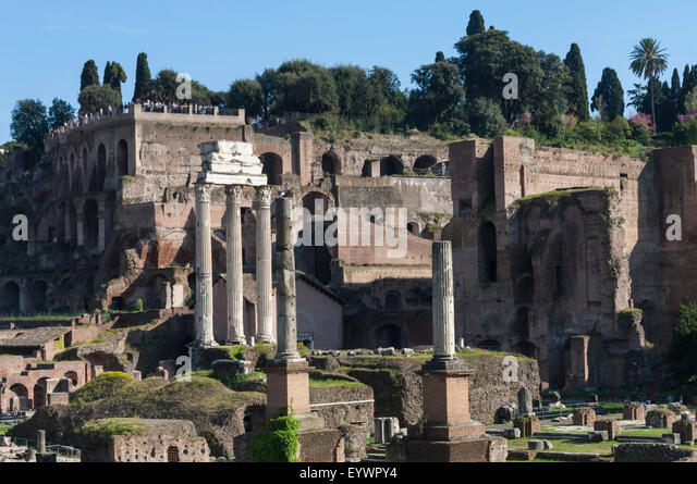 Ancient Roman Forum and the three columns of Temple of Castor and Pollux, UNESCO World Heritage Site, Rome, Lazio, - Stock-Bilder