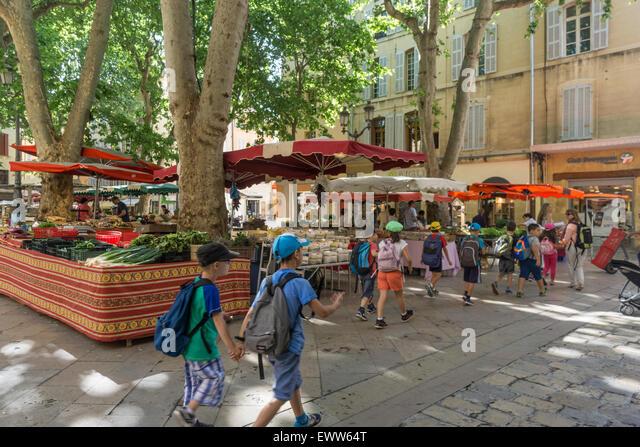 Market , Place Richelme, Fruits and Vegetables, School Kids,  Aix en Provence, Bouche du Rhone, France - Stock Image