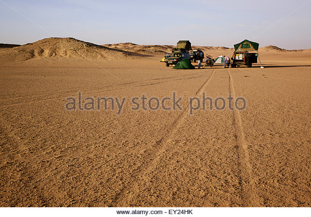 Wild camping deep in the Sahara desert, Sudan - Stock Image