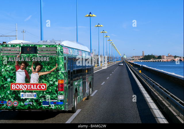 how to get from venice airport to mestre train station