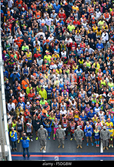 Aerial view of runners preparing to start the New York City Marathon at the VerrazanoÐNarrows Bridge November - Stock Image