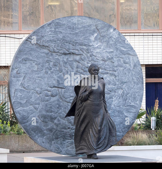 Statue of Mary Seacole outside St Thomas' Hospital London, born Jamaica 1805, famous for nursing sick and wounded - Stock Image