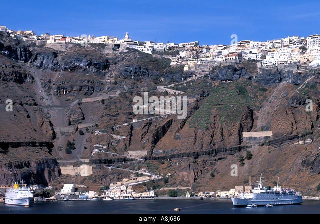 Village of Fira on caldera edge - Stock Image