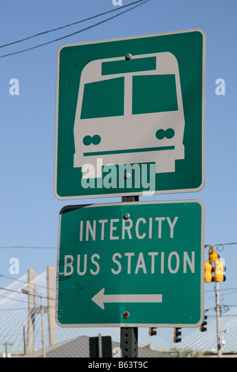 Green Intercity bus station sign Savannah Georgia America USA - Stock-Bilder
