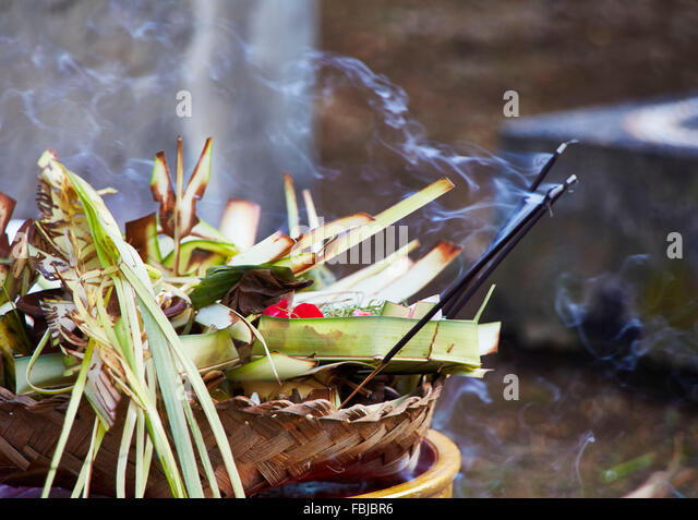 Offerings, bowl, Balinese, reportage, traditional wedding, Bali, Indonesia, Asia - Stock Image