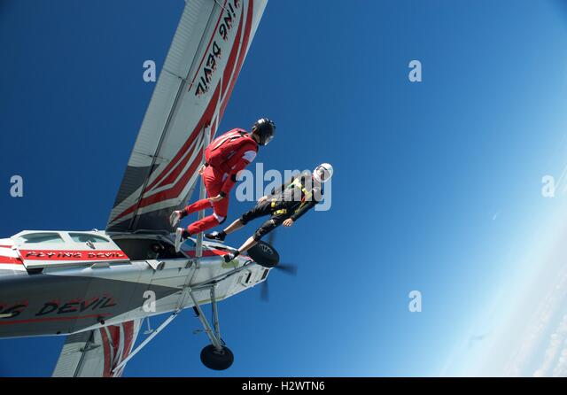 Two skydivers flying head down - Stock Image