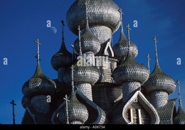 Russia former Soviet Union Karelian Region Kizhi Transfiguration Cathedral aspen wood domes no nails - Stock Image