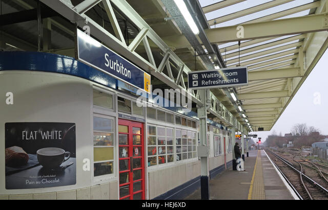 Surbiton Railway Station Waiting Room on Platform 3, Kingston,West London,England,UK - Stock Image