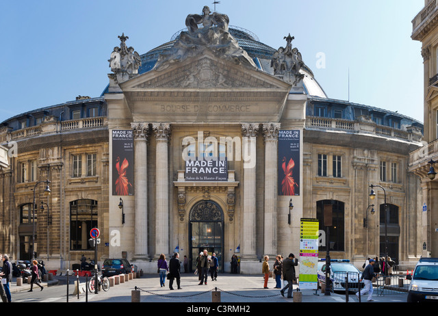 The Bourse de Commerce building in the 1st Arrondissement now occupied by the Chamber of Commerce, Rue Viarmes, - Stock Image