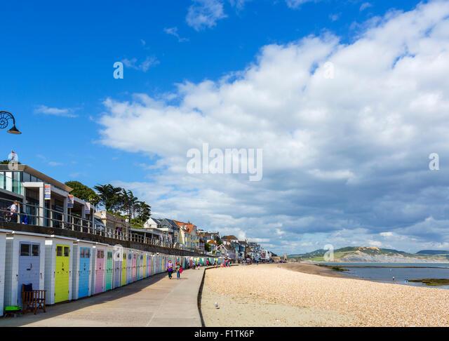 The town beach and Marine Parade, Lyme Regis, Lyme Bay, Jurassic Coast, Dorset, England, UK - Stock Image
