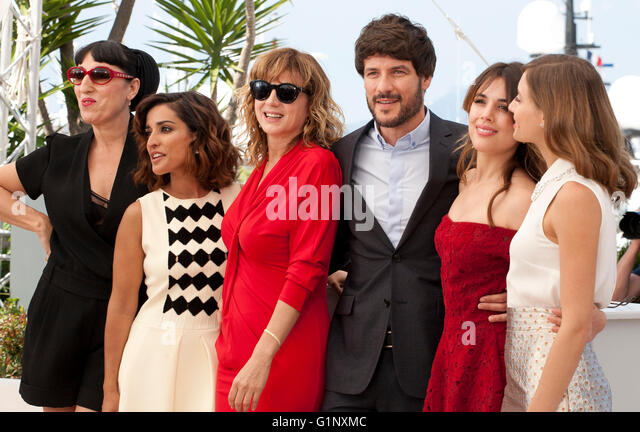 Cannes, France. 17th May, 2016. Rossy de Palma, Inma Cuesta, Emma Suarez, Daniel Grao, Adriana Ugarte and Michelle - Stock Image