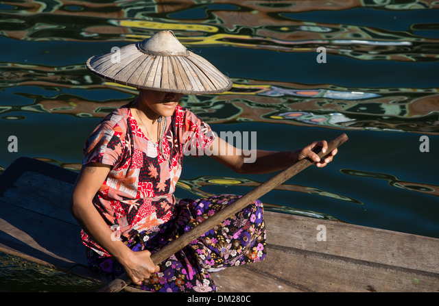 lady rowing on Inle Lake, Myanmar (Burma) - Stock Image