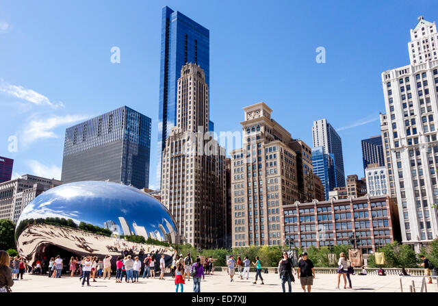 Illinois Chicago Loop Millennium Park Cloud Gate The Bean artist Anish Kapoor public art reflected reflection distorted - Stock Image