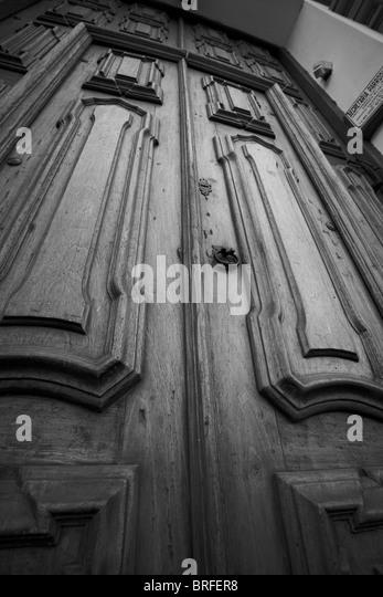 Buenos aires argentina church iglesia stock photos for Puertas de madera antiguas