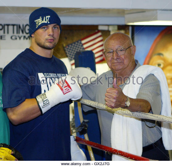LlJXajukpHk additionally Angelo Dundee together with Amir Khan Hate Mob Forced Training Base United States also Reljic Doctors Said Id Never Fight Again 22559 also Fight Night Round 3. on oscar de la hoya greatest fights