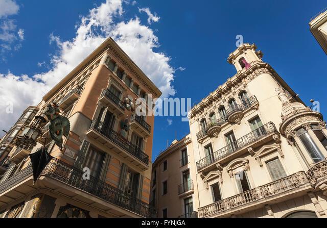 Modermisme buildings, Dragon with umbrella, Ramblas, Barcelona, Spain - Stock Image