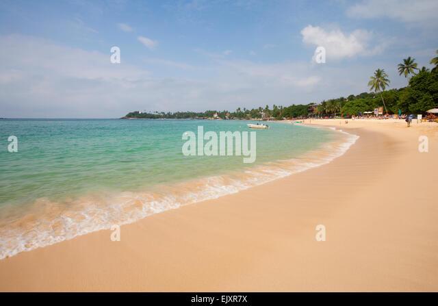 DESERTED UNAWATUNA BEACH - Stock Image