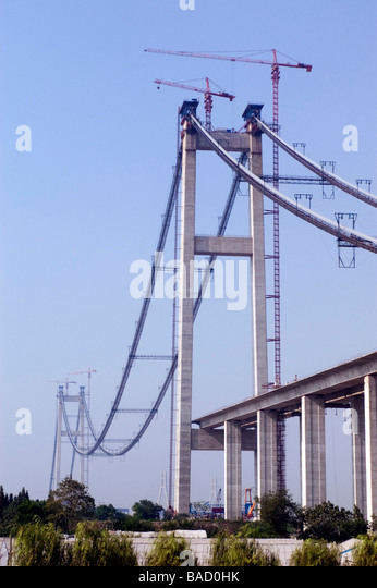 Construction of Runyang Bridge in China, currently the longest bridge in China - Stock-Bilder