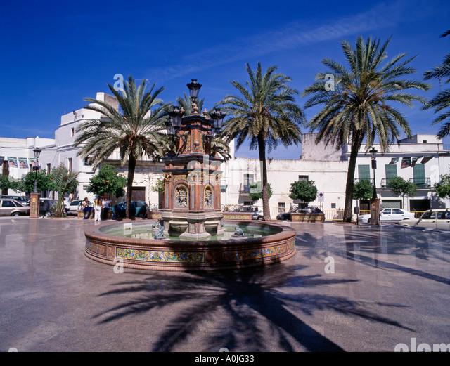 Spain Andalucia Vejer de la Frontera pueblo blanco village fountain - Stock Image