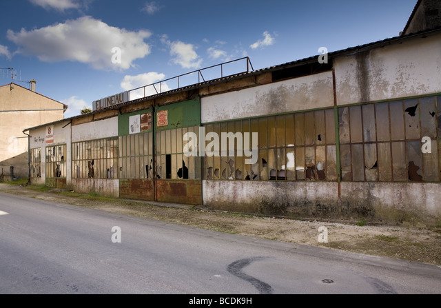 Matha stock photos matha stock images alamy - Garage de la piscine beauvais ...