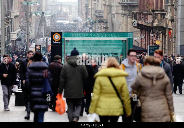 Shoppers on Buchanan Street in Glasgow city centre, Scotland, UK - Stock Image