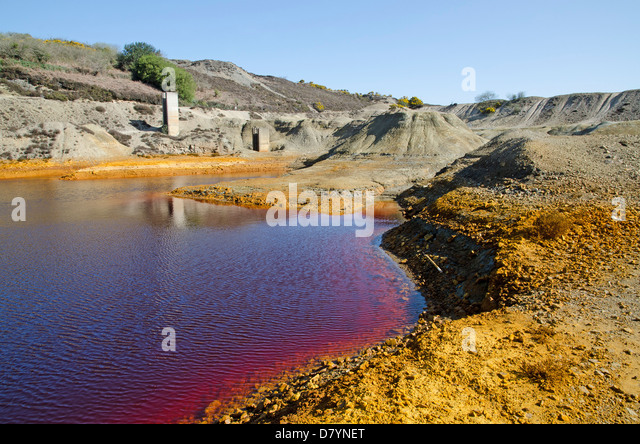 Contaminated land and water on the old Wheal Maid copper mine near St.Day in Cornwall, UK - Stock Image