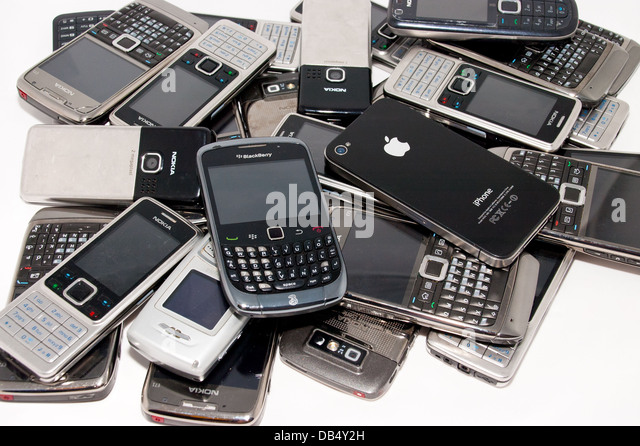 Cell phones recycle stock photos cell phones recycle stock images alamy - Recycling mobel ...