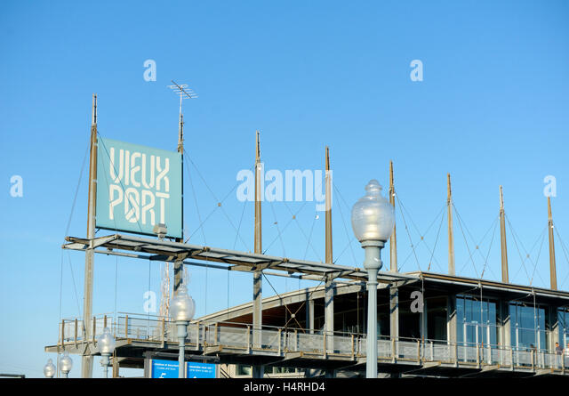 Vieux Port sign and Jacques Cartier Pavilion in the Old Port of Montreal, Montreal, Quebec, Canada - Stock-Bilder