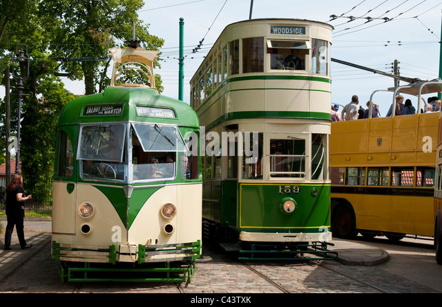 asian singles in tram A single-ended tram has operator's controls at only one end, and can safely be driven at speed in the forward direction but is also capable of reverse movement, typically at slower speed, using a small set of controls at the rear.