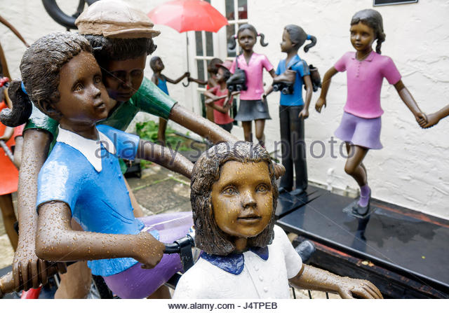 Palm Beach Florida Worth Avenue art bronze sculpture Prince Monyo Romanian artist Children at Play gallery outdoor - Stock Image