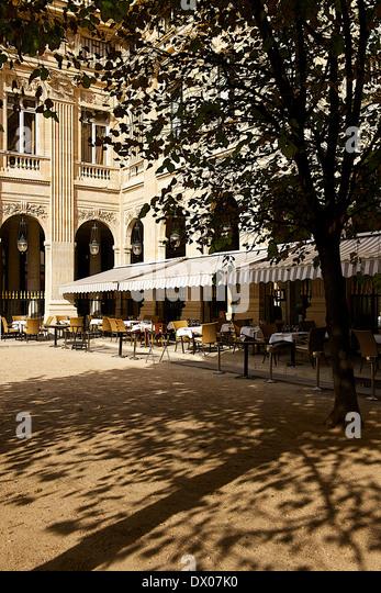 Caf Ef Bf Bd De Valois Paris