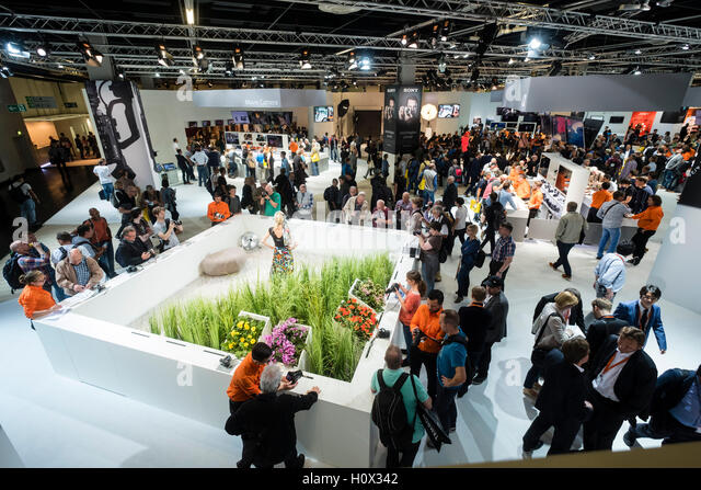 Busy Sony stand at Photokina trade fair in Cologne, Germany , 2016 - Stock-Bilder