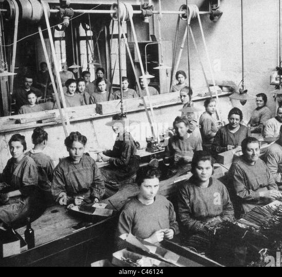 Factory workers - Stock-Bilder